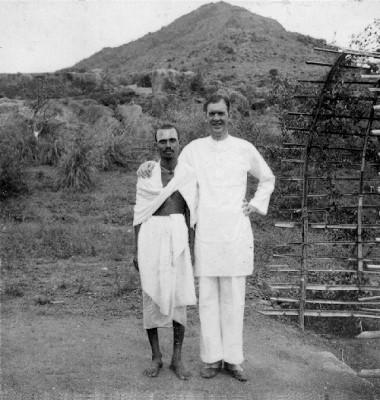 Photo of Major Chadwick with Annamalai Swami.